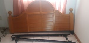 King size head board with frame for Sale in Kissimmee, FL