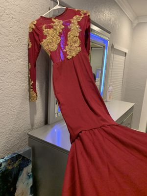 Burgundy prom dress for sale $200 xtra small for Sale in Miami, FL