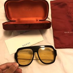Unisex G sunglasses ! New w/box ! Excellent ! No Trades ! for Sale in Silver Spring,  MD