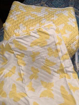 King size Quilt reversible for Sale in Roanoke, VA