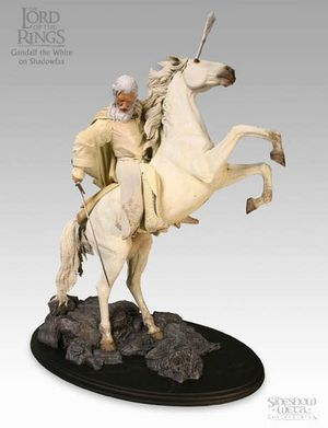 Gandalf the white on shadowfax polystone statue, lotr, sideshow weta collectibles, The Lord of the Rings for Sale in Los Angeles, CA
