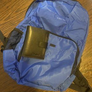 Book Bag With Wallet for Sale in Reynoldsburg, OH