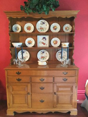 Buffet, server, dining table, chair, more 9 piece set for Sale in Harmony Grove, WV