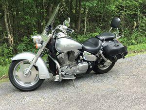 2006 Honda VTX 1300 Motorcycle for Sale in Pleasant View, TN