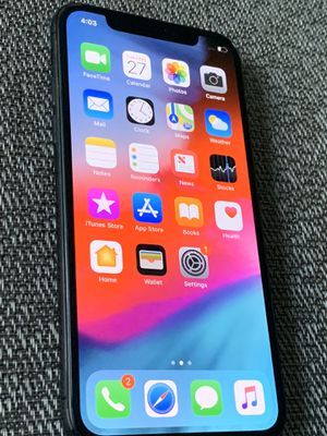 UNLOCKED IPHONE X 64GB CLEAN IMEI WITH EXTRAS for Sale in Lawrenceville, GA