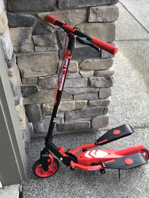 Yvolution Y-Flyer kids pedaling stepper scooter for Sale in Mill Creek, WA