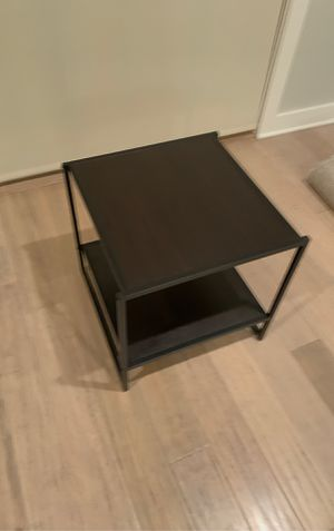Small side table for Sale in Algonquin, IL