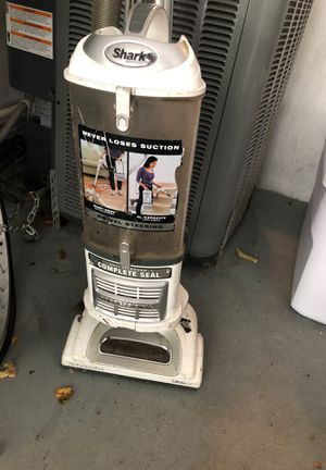 Shark vacuum for Sale in Boynton Beach, FL