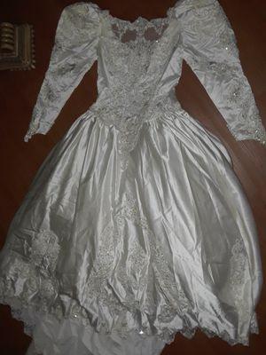 Size 16 wedding dress (David's Bridal) for Sale in Palm Beach, FL