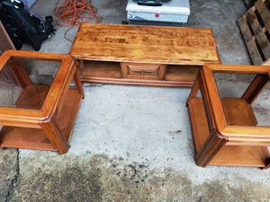 Nice coffee table an end tables for Sale in Lynnwood, WA