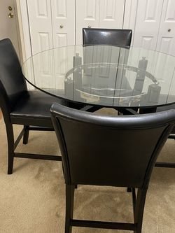 Dining Table With Chairs + TV Table for Sale in Malden,  MA