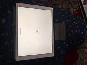 Apple iPad Pro 12.9 wifi and cellular for Sale in Chicago, IL