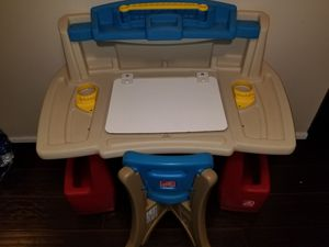 Step 2 deluxe art desk and chair kids toys for Sale in Weston, FL
