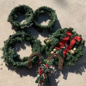 Holiday Wreaths for Sale in Lakewood, CA