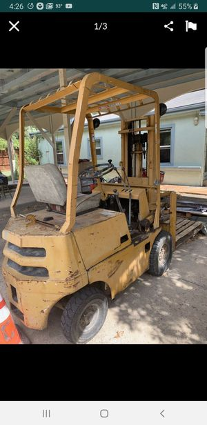 Forklift trade for hd truck for Sale in Grand Prairie, TX