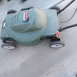 Black and Decker Electric Lawn Mower for Sale in Henderson, NV