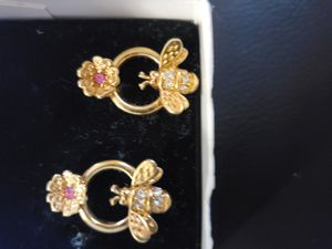 Aretes de avon for Sale in Olathe, KS