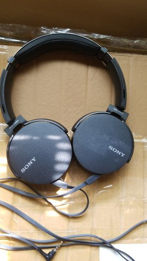 Sony MDR-XB550AP Extra Bass headphones for Sale in West Mifflin, PA