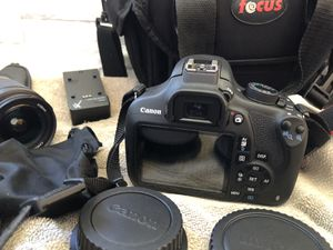 Canon EOS T5 Rebel for Sale in Longmont, CO