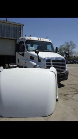 Cascadia Wind Deflector For Semi Trucks for Sale in Cleveland,  OH