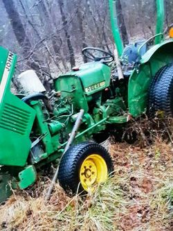 JOHN DEER 850 TRACTOR/ ONLY IF PURCHASED TODAY $2200 U CAN LOAD IT UP for Sale in Greenville,  SC