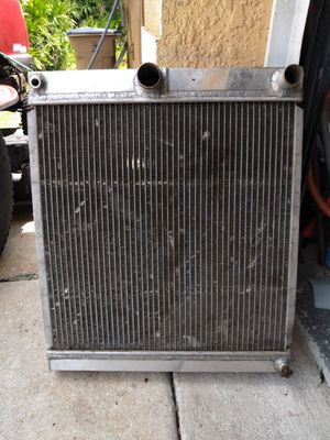 ALL ALUMINUM RACING RADIATOR. 4 CORE FROM SUMMIT RACING. 19in. Wide BY 22in. High. WORKS PERFECTLY for Sale in Lehigh Acres, FL