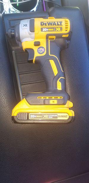Drill dewalt con una bateria no cargador for Sale in Rockville, MD