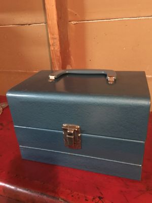 Box for Sale in St. Charles, IL