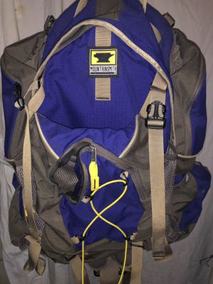 Mountain smith approach 2500 camping backpack 🎒 for Sale in Dublin, OH