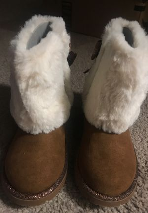 Brand new size 8 boots little girls for Sale in Fresno, CA