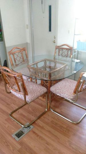 Glass Dining Room Table With 4 Chairs 45 Inch Top For Sale In Nashville