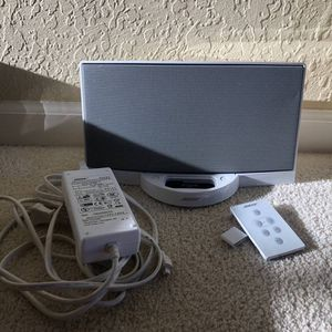 Bose SoundDock digital music system for iPod (White) for Sale in Redwood City, CA