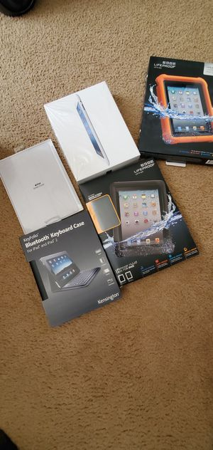 VERIZON IPAD 64 GB CELLULAR WIFI WITN LIFEPROOF CASE ,SMART COVER ,KEYBOARD for Sale in Bakersfield, CA