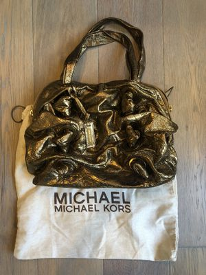 Michael Kors Limited Edition gold Leather handbag for Sale in Houston, TX