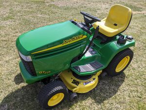John Deere GT225 Garden Tractor for Sale in Yalesville, CT