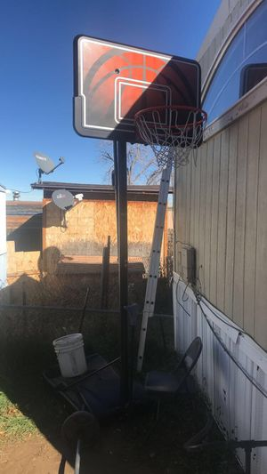 Basketball hoop 🏀 for Sale in Longmont, CO