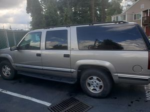 1999 suburban 5.7 4x4 for Sale in Portland, OR
