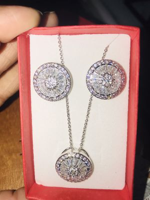 Women real 925 starling silver Luxury 2.25CT Natural White Sapphire diamond Round Necklace Earring Set for Women.. for Sale in Moreno Valley, CA