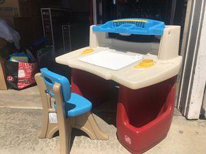 Little kids desk for Sale in La Mirada, CA