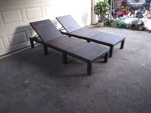 Outdoor patio chaise lounge chairs for Sale in Chatsworth, CA