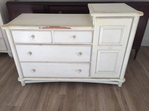 Changing table for Sale in Miami, FL
