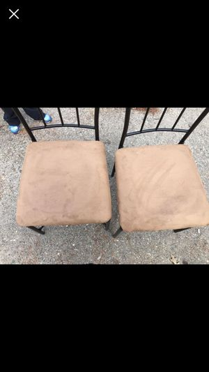 Two chair and small kitchen table for Sale in Clinton Township, MI