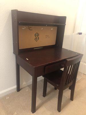 Kids desk n chair for Sale in San Ramon, CA