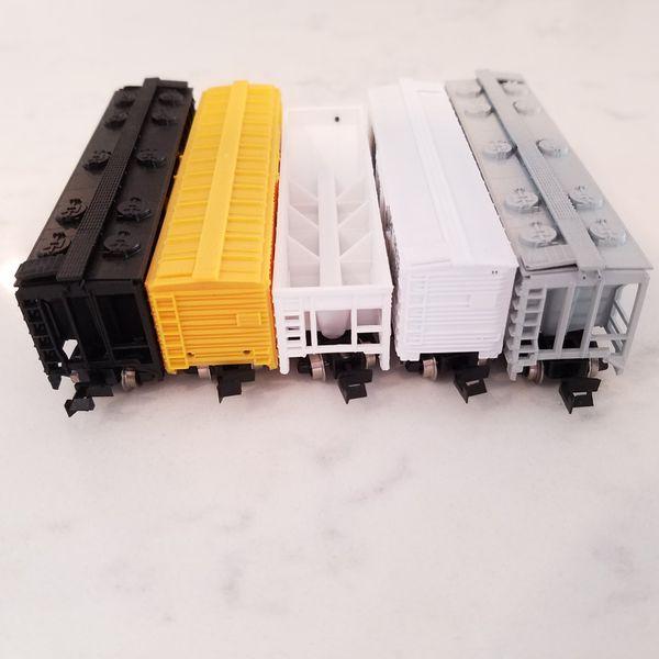 N Scale Train Lot of 5 Cars