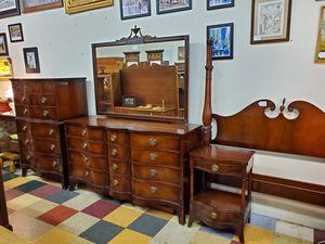 4 Piece Travis Court Group Vintage Mahogany Bedroom Set By Drexel for Sale in Bechtelsville, PA