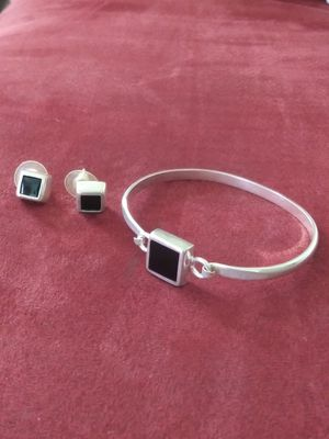 Beauty & health...LOOK..925 mexico Silver Bracelet & earrings set / onyx stone. nice for Sale in Lincoln Acres, CA
