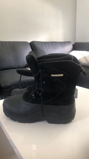 Snow boots size 7 men's for Sale in Jacksonville, FL