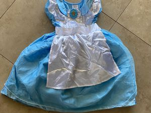 DISNEY ALICE IN WONDERLAND COSTUME 5/6 for Sale in Chula Vista, CA