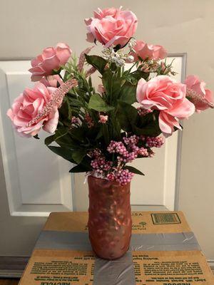 Pink flower arrangement for Sale in Chandler, AZ
