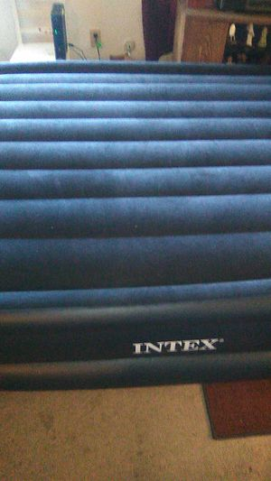 Intex rising comfort queen air bed in box never used for Sale in Ravenna, OH